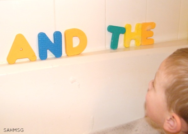 Bath time sight words. This list of bath time activities is so simple but fun for kids from toddlers to school age.