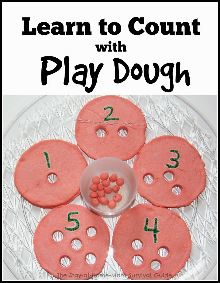 Use play dough to create a simple counting puzzle for preschoolers to learn counting and number recognition. This is so easy and there are 2 other play dough learning activities linked!