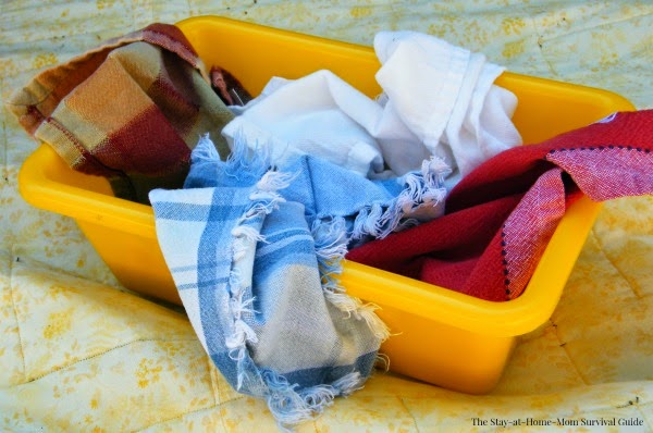 Napkin or fabric scrap sensory bin for babies is so easy to set up and there are great tips for taking baby outdoors!