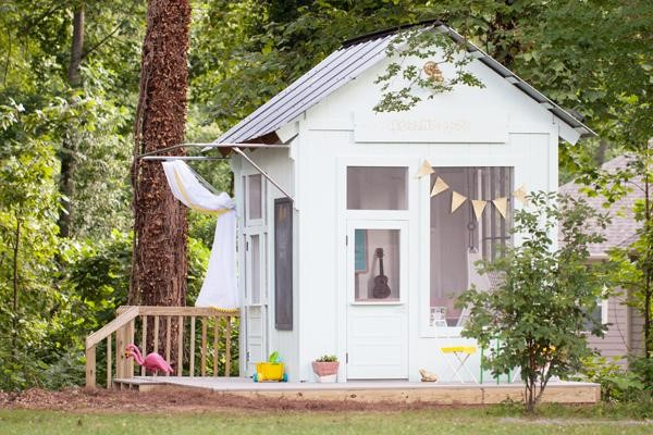Best diy backyard playhouse ideas the stay at home mom for Children s garden sheds