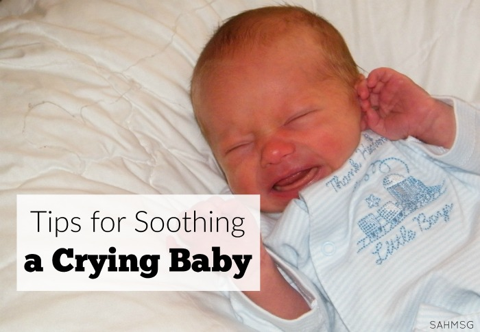 14 ways to soothe a crying baby. Tips from a mom of 4 who spent many late night awake with a crying baby. These may not all work for you, but they are a go-to list of things to try when baby is crying. #Sponsored by @Gerber.