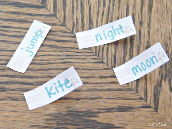 Pre-reading skills will soar with this 2 item activity that teaches children to read the beginning letter in words with a hands-on word-matching game.