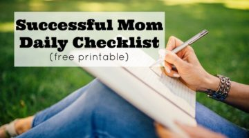 Free printable successful daily checklist for moms and homemakers. Get more done, and see what you actually do all day to feel more successful.