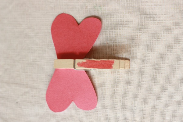 Cute heart butterefly craft for Valentine's Day or Mother's Day. This would be a great hands-on spring craft too.