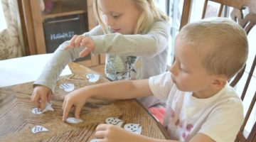 What to do with toddlers while homeschooling. Great activity ideas for toddlers and preschoolers while you are homeschooloing older kids or just need activities for learning at home.