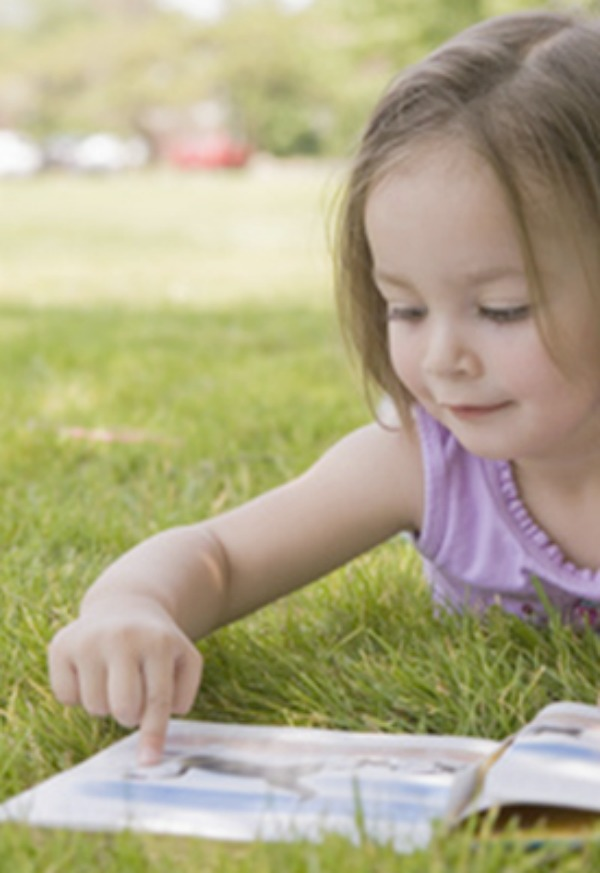 Prevent the summer slide with Skybrary for kids online reading activities.