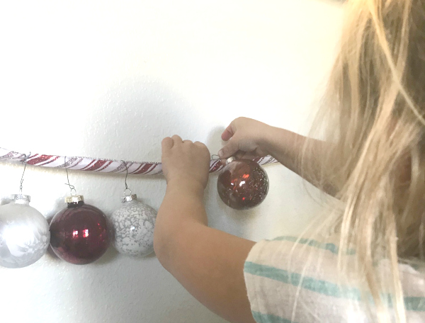 Christmas counting preschool activity fun with numbers, ornaments and fine motor skills.
