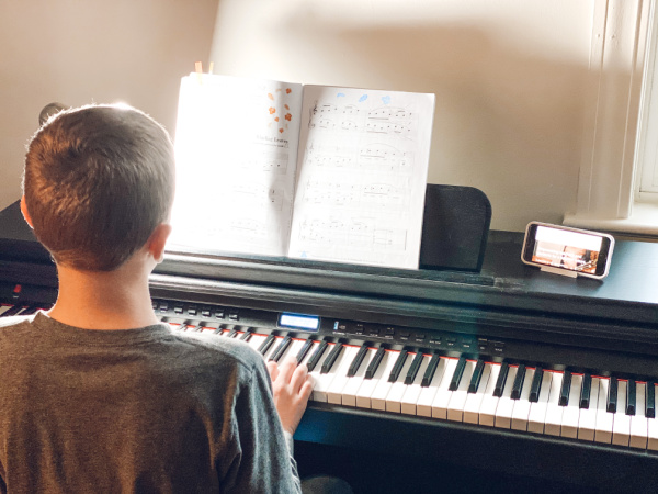 Learning to play piano or any instrument is calming for kids and enhances their education. Get virtual music lessons for kids from South Pasadena Arts and Music Academy.