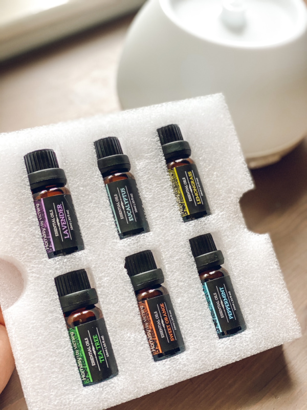 Essential oil starter collection included with the Homasy essential oil diffuser for benefits of diffusing at home.