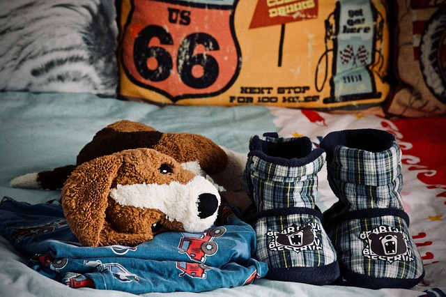 Bedwetting tips for parents who are potty training a child that wets the bed.